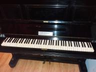 Stare czarne pianino E.LINKE do dekoracji