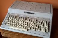 zabytkowy komputer TANDY 1000 lata 80
