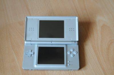 Nintendo DS Lite + Nagrywarka R4 + Pokemon Pearl