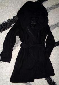 zara płaszcz czarny z kapturem