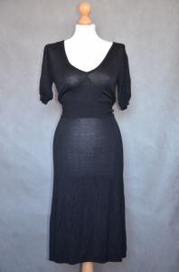 obcisła dzianinowa sukienka midi New Look SM