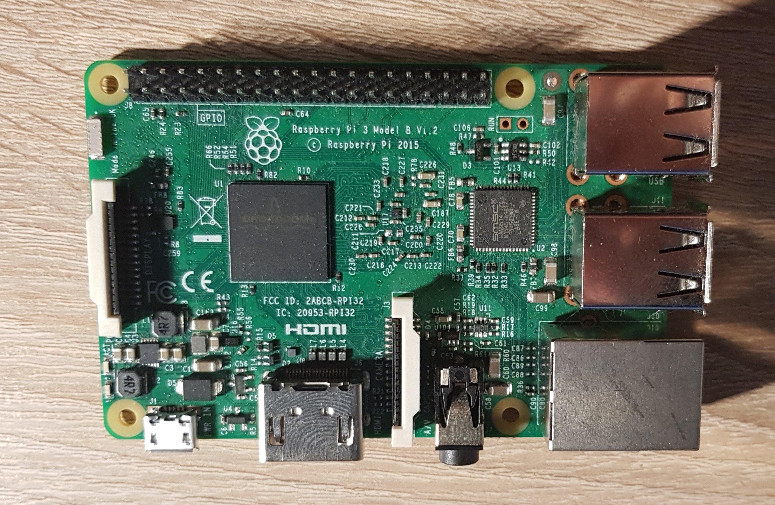 Raspberry Pi 3 + raspberry pi 1 + nowa obudowa +SD