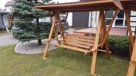 huśtawka drewniana ogrodowa z dachem h-4