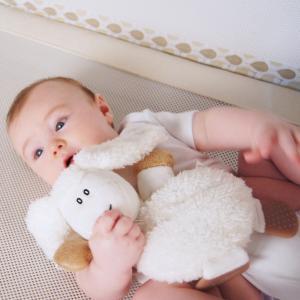 PurFlo przytulanka do spania gryzak Owieczka 0+