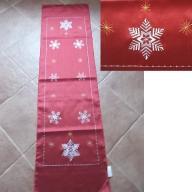 Bieżnik świąteczny,haftowane śnieżynki