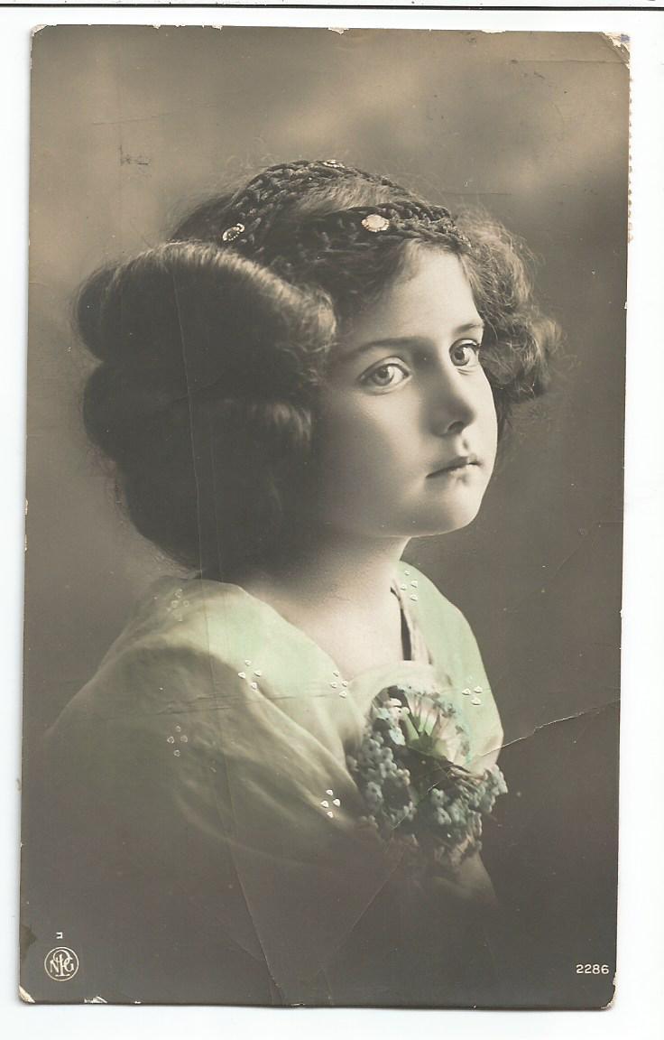 PArt-27-11-Portret kobiety-z lat 1900-15