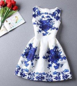 d9aaada8b4 Piękna biała sukienka w niebieskie kwiaty - 6066673776 - oficjalne ...