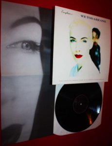 EURYTHMICS - WE TOO ARE ONE LP DON'T ASK ME WHY