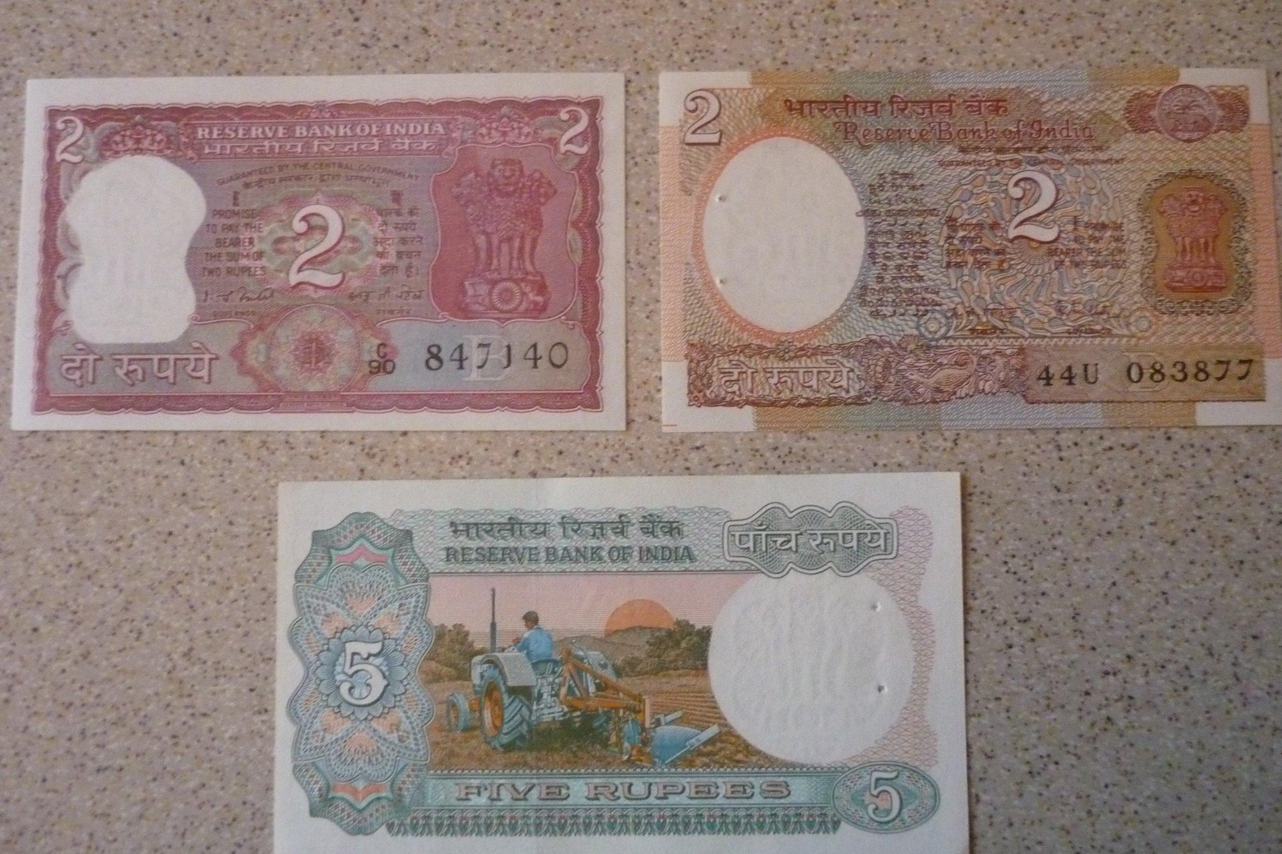 Indie - 3 banknoty.