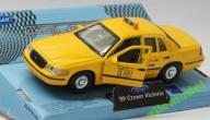 FORD CROWN VICTORIA 1999 NYC TAXI 1:34 WELLY
