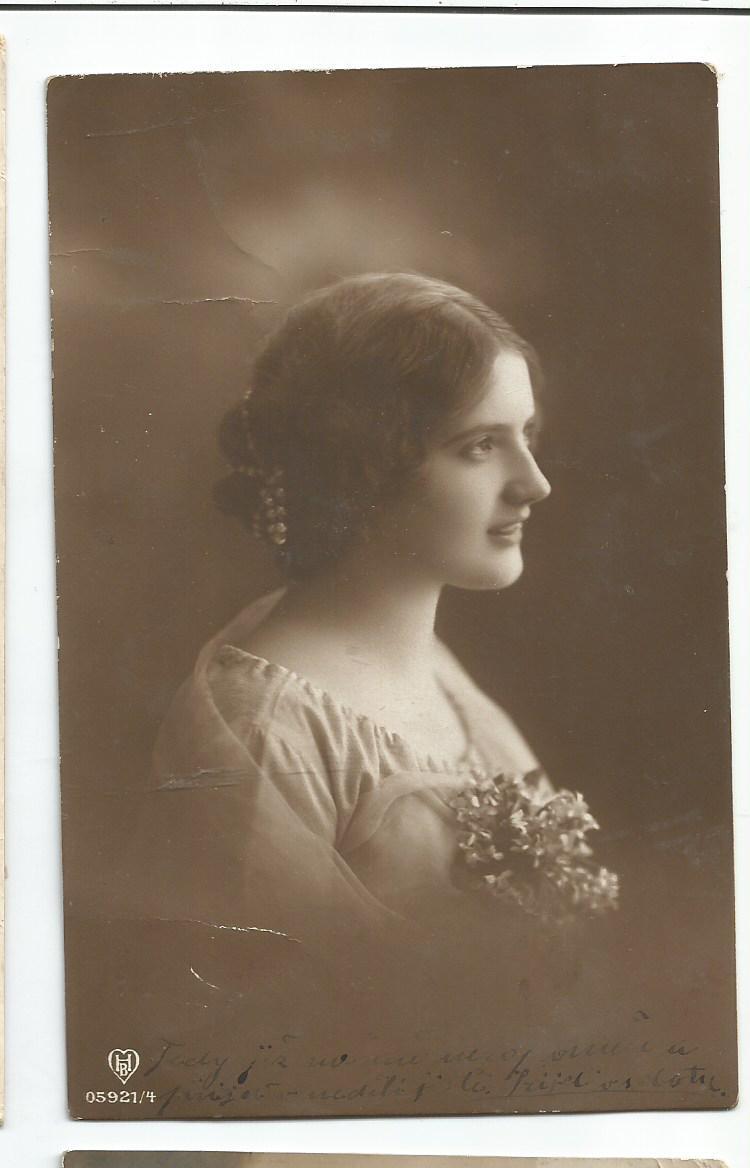 PArt-31-11-Portret kobiety-z lat 1900-15