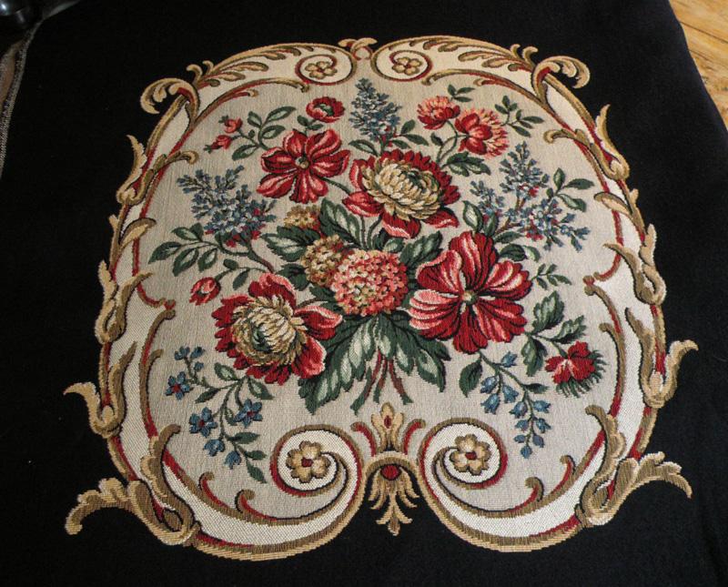 Tkanina obiciowa/6 medalionów kwiat,270/127nr2