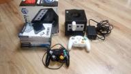 99Konsola GameCube +Gameboy Player +Gry