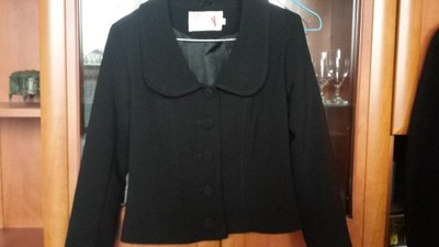 Elegancki czarny żakiet 36