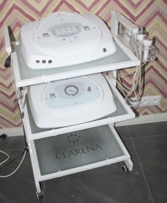Stolik Clarena Pod Urządzenia Kosmetyczne
