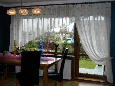 Kresz Ecru Okno Balkonowe Kwiaty Tulipany Balkon