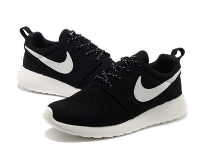 Rosh Courir Nike Femmes Noires 417