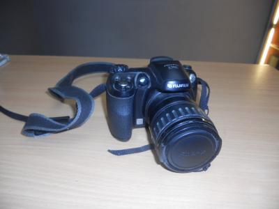 APARAT FUJIFILM FINEPIX S5600