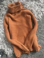 Golf brązowy Pull&Bear ciepły sweterek