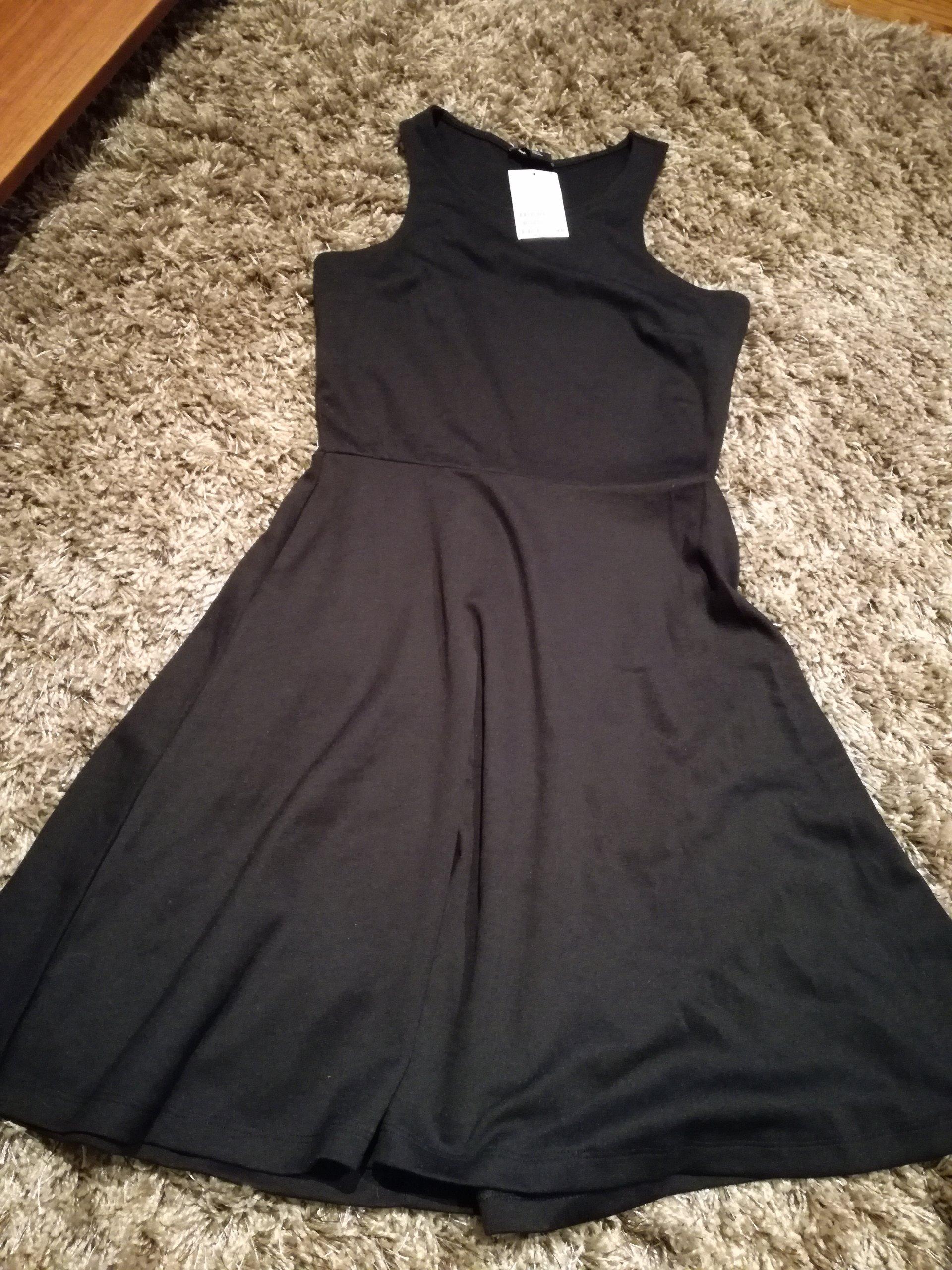 fdf0ce9120 Sukienka MAŁA CZARNA H M rozkloszowana rozm S - 7058604887 ...