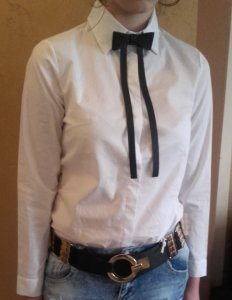 3c4608a1876ffa biała koszula damska z czarną muchą, kokardą XL - 6042837563 ...