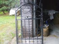 Brama ogrodzeniowa z kutego żelaza