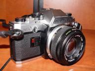 OLYMPUS OM10 + obiektyw ZUIKO 50mm.