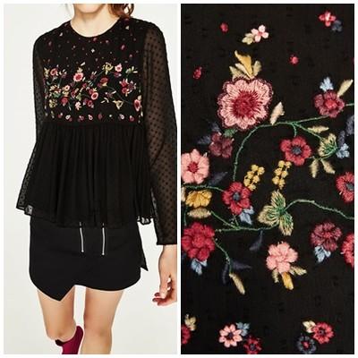Czarna bluzka boho w kwiatki