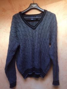 GAP sweter wełniany w serek L