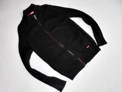 Levis  M  L Modny  elegancki  sweter