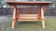 huśtawka drewniana ogrodowa z zadaszeniem h-2