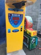 Boxer automat zarobkowy siłomierz bokser