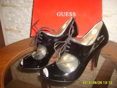 Wyprzedaż ! nowe oryginalne buty  GUESS z USA