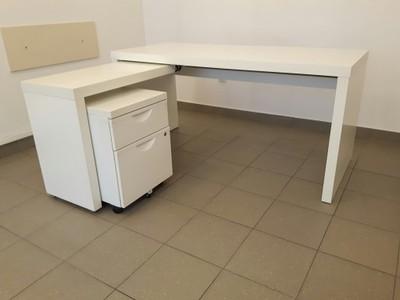 Białe biurko IKEA Malm z szafką metalową Warszawa