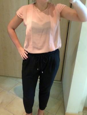 Luźna przeźroczysta brzoskwiniowa bluzka Vertus