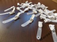 Klipsy białe z paskiem do identyfikatorów 10 sztuk