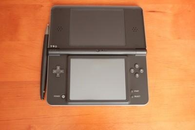 Nintendo Ds XL + Karta R4 stan BDB !!!