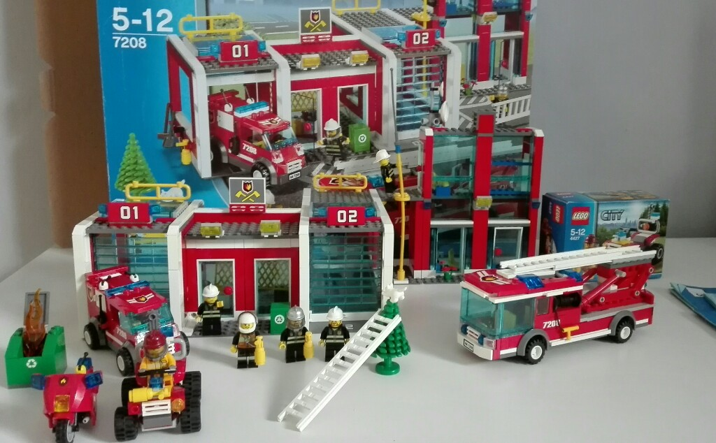 Lego City Remiza Straż Pożarna 7208 4427 60000 7012279428