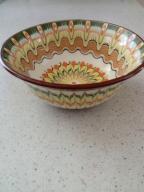 Ceramiczne miseczki zdobione wzorkami