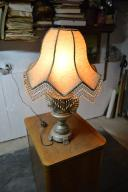 stara lampa stojąca