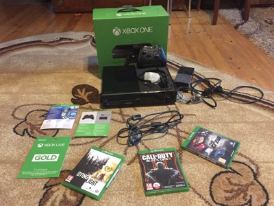 Sprzedam xboxa one 500GB+Xbox live gold+gwarancja!