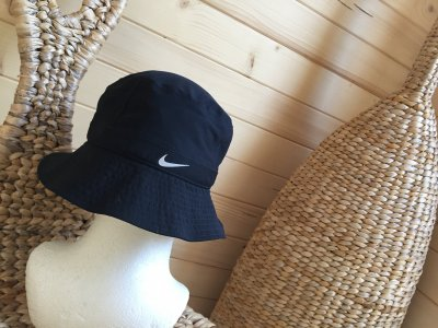 NIKE GÓRY  nowy kapelusz jesień M/L