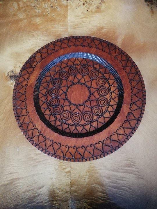 Ozdobny Talerz Drewniany O Średnicy 29,5 cm