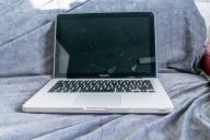 Apple MacBook Pro 13 i5 2.3 8 RAM 128GB SSD 512HDD