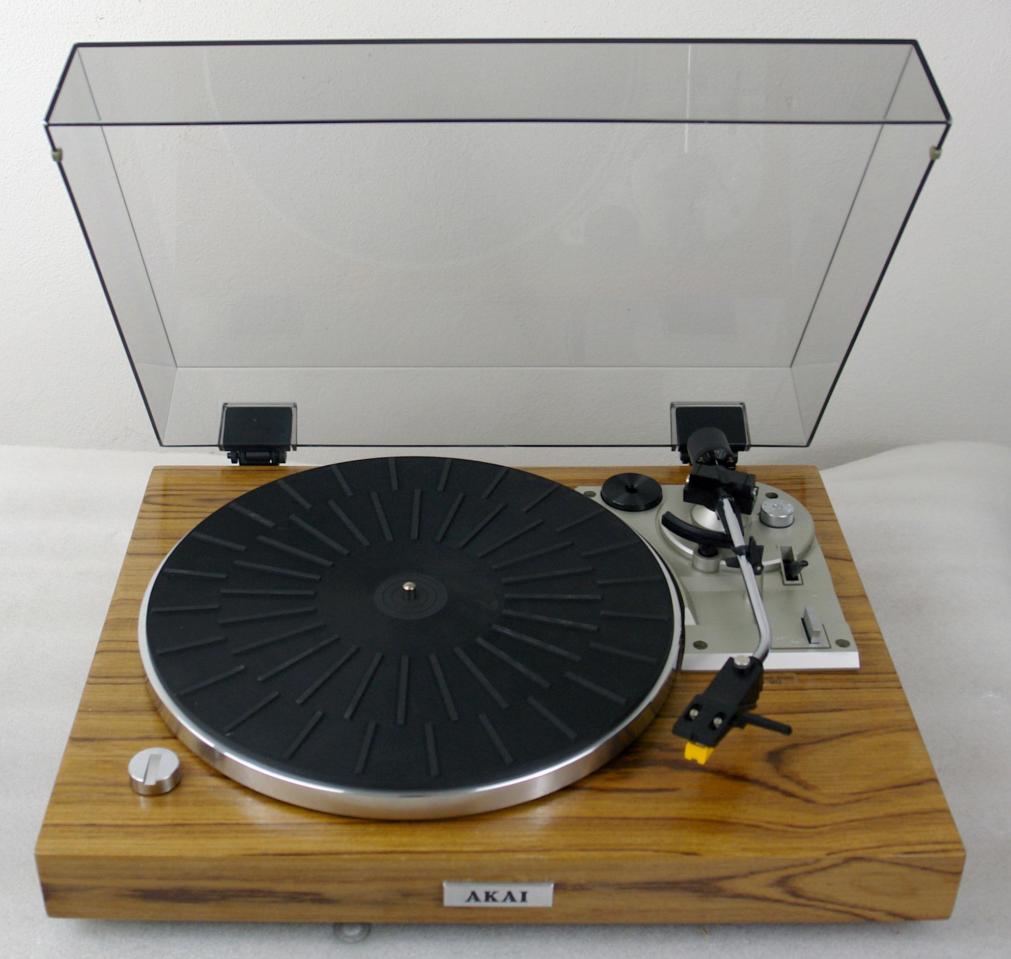 Gramofon Akai AP - B20C