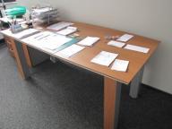 Zestaw 3 dużych biurek 2 szafek do biura i szafy