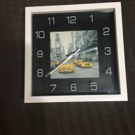 Zegar z motywem Nowego Yorku z żółtymi taksówkami