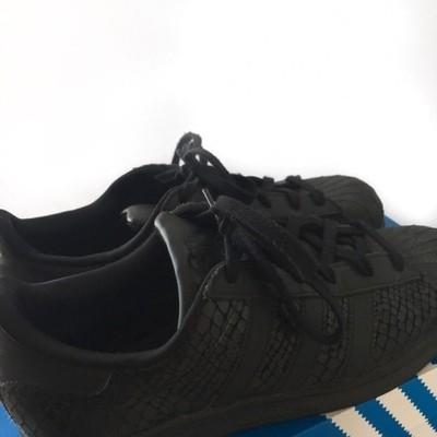 Adidas Superstar czarne skóra węża 40