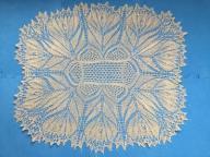 Serweta zrobiona na drutach rękodzieło