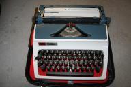 Maszyna do pisanie Erika produkcji NRD rok 1976